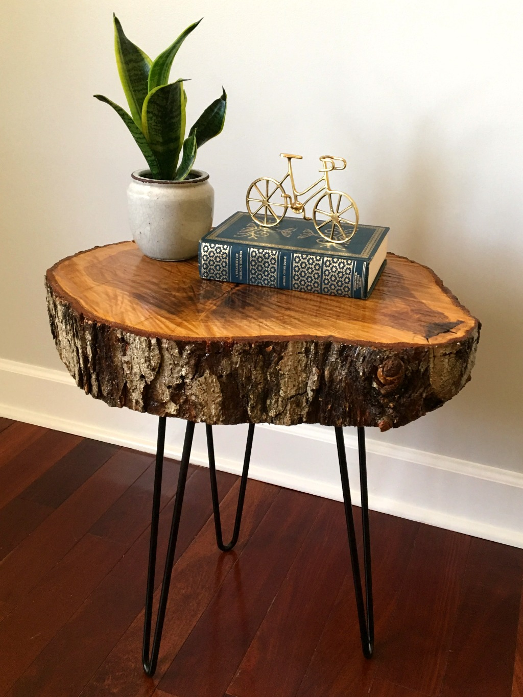 How to make a DIY tree slice table in just a few easy steps