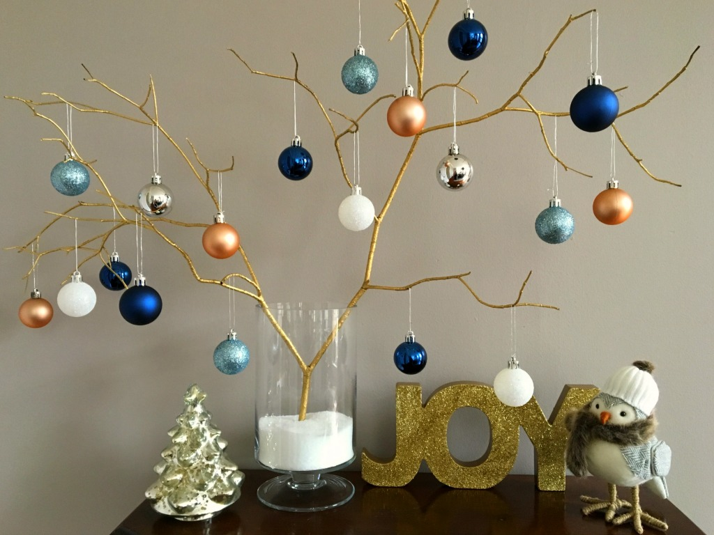 Easy elegant diy christmas decor a lively mind for Diy elegant christmas decorations